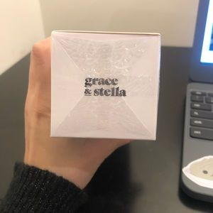 grace and stella Makeup - Grace and Stella All day face spray